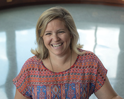 Lifetime Member Mindy Johnson ('03, '05) supports leadership and volunteerism at WKU